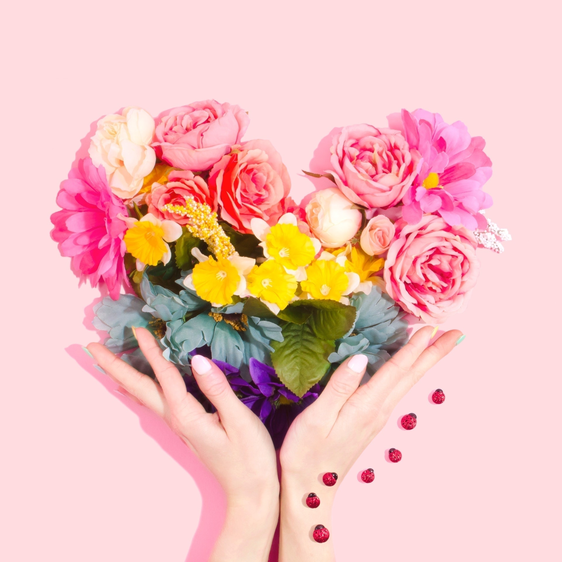 Dummy guy's guide: Should I buy flowers for her?